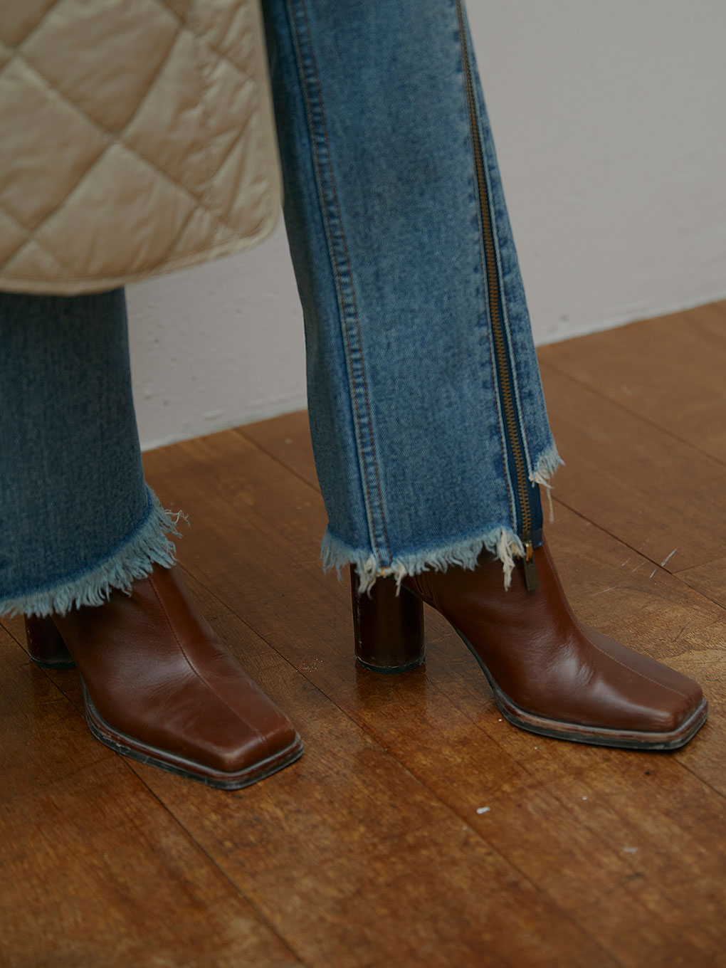 UNDRESSED DIMENSIONAL SQUARE BOOTS