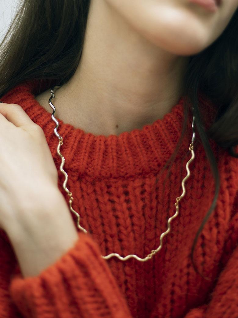 Bijou R.I Big Wave Necklace