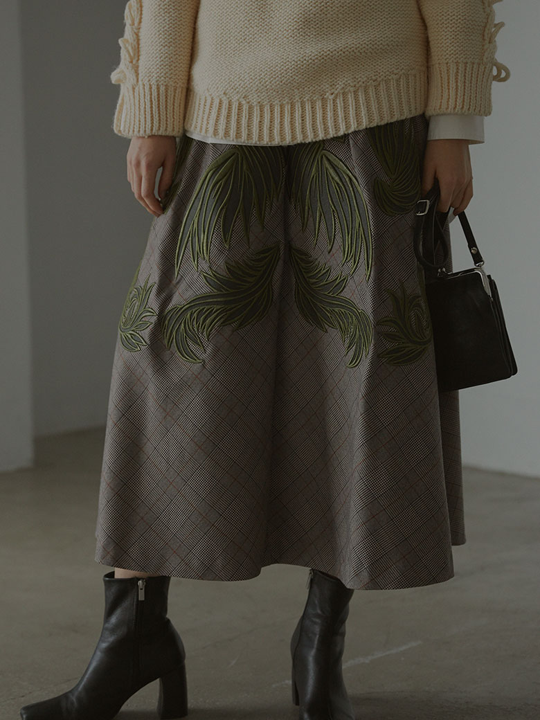 CHECK EMBROIDERY SKIRT