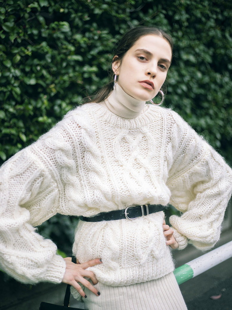 MOHAIR BIG CABLE KNIT