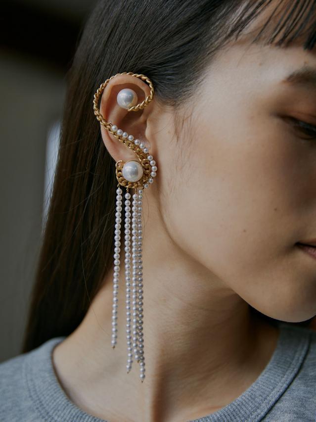 UNDRESSD PEARL CHAIN EAR CUFF